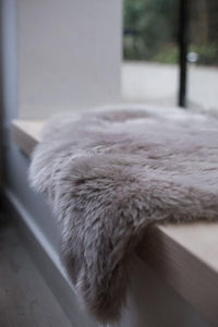 Long hair / shaggy baby sheepskin - Taupe