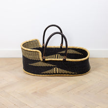 BEAR (ii) moses basket [Shipping mid Jan]