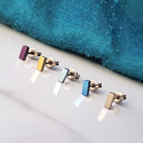 Titanium bar stud Earrings Small 5mm