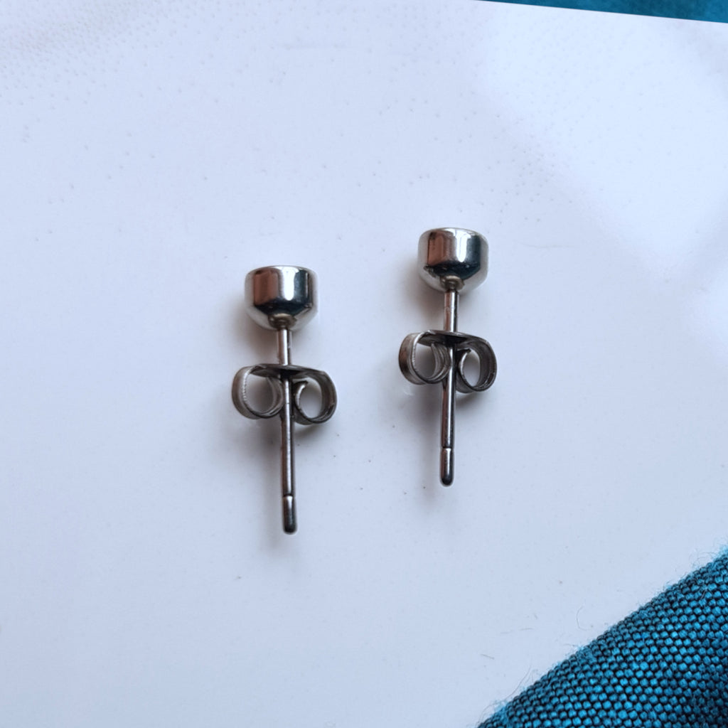 Ethical Lab Grown Diamond and Titanium Stud Earrings.