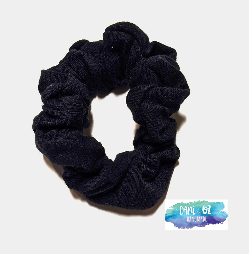Black Scrunchie - Medium