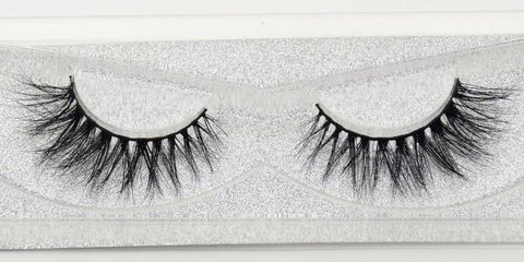Buy our Ex Eyelashes from our Diva Eyelash Collection. These lashes are great for any makeup artist or beauty blogger.