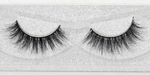 Buy our Glam Eyelashes from our Diva Eyelash Collection. These lashes are great for any makeup artist or beauty blogger.