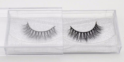 Buy our Loyal Natural looking eyelashes great for makeup artists, MUAs, and beauty bloggers who wear lashes