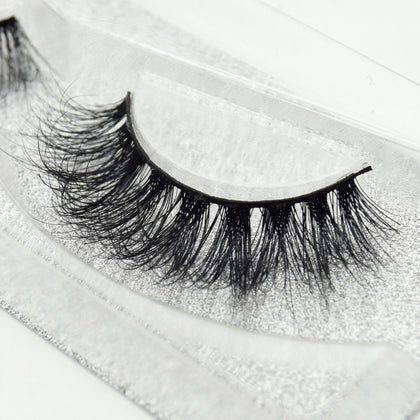 Buy our Whitney Eyelashes from our Diva Eyelash Collection. These lashes are great for any makeup artist or beauty blogger.