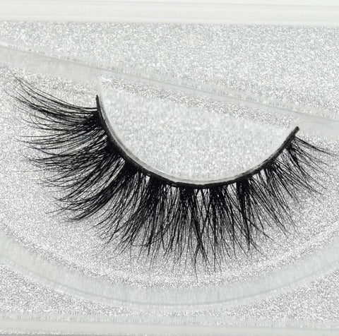 Buy our Silk Eyelashes from our 3D Mink Eyelash Collection. These lashes are great for any makeup artist or beauty blogger.