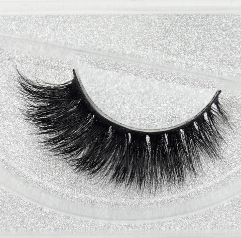 Buy our Supafly Eyelashes from our 3D Mink Eyelash Collection. These lashes are great for any makeup artist or beauty blogger.