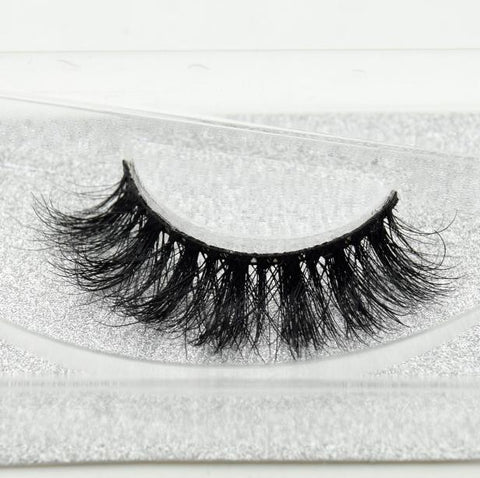 Buy our Game Eyelashes from our Diva Eyelash Collection. These lashes are great for any makeup artist or beauty blogger.