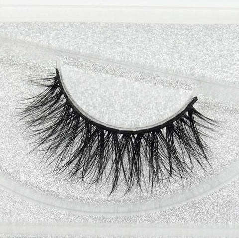 Buy our Devious Eyelashes from our Diva Eyelash Collection. These lashes are great for any makeup artist or beauty blogger.