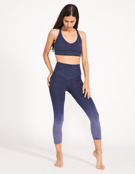 Surrender 3/4 Legging - Midnight Ombre - Leggings