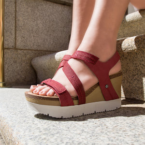 OTBT - WAVEY in HUNTING RED Wedge Sandals
