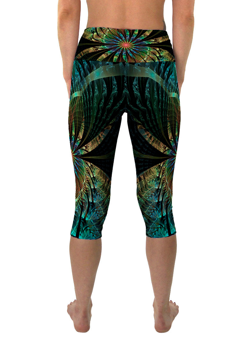 PaonPaon | Cropped | Leggings | Capri | Pants | Yoga | Workout | Gym | Festival | Rave | Outfit | Clothing | High Waisted | Fold Over