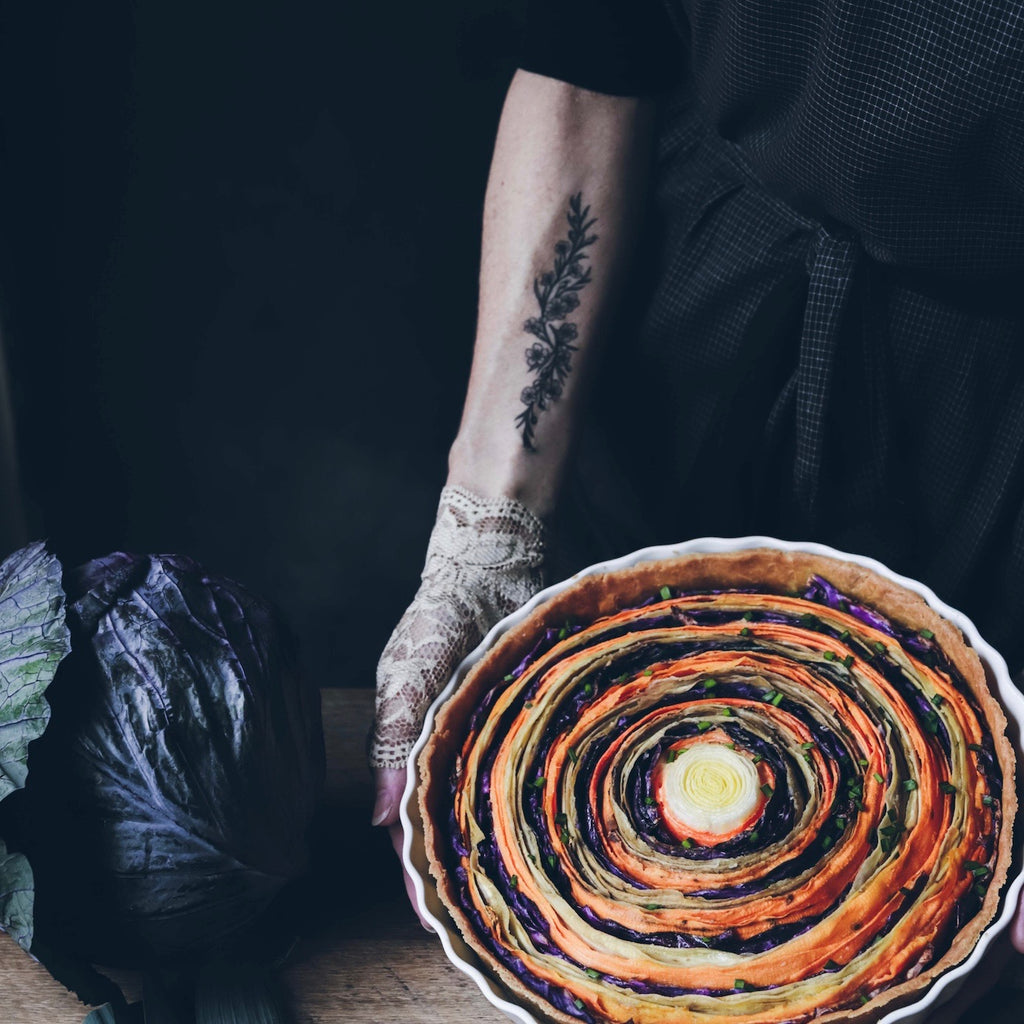 Spiral Vegetable Tart with a Creamy Vegan Sauce