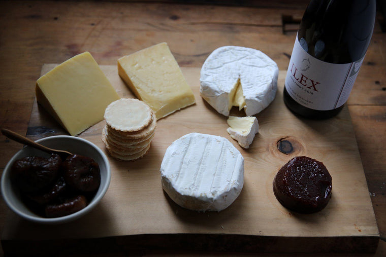 Tasmanian Cheese Hamper with Pinot Noir