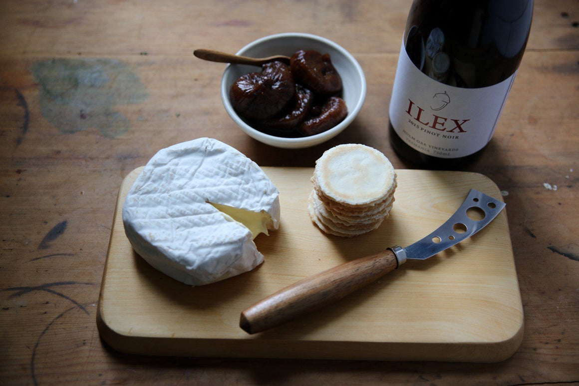 Tasmanian Picnic, Cheese and Pinot