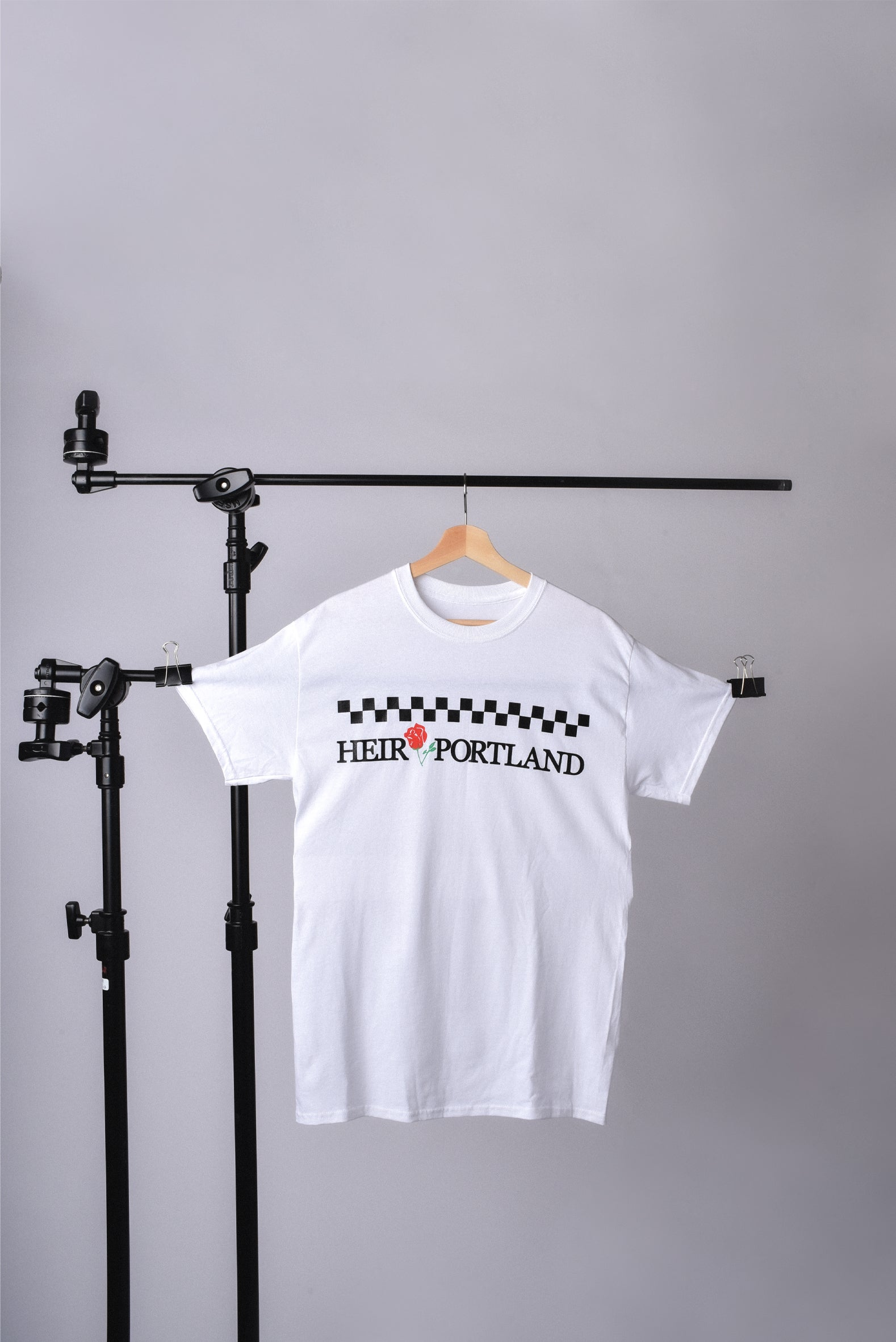 HEIR RADIO CAB TEE (WHITE)