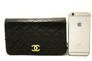 CHANEL Chain Shoulder Bag Clutch Black Quilted Flap Lambskin Purse h71