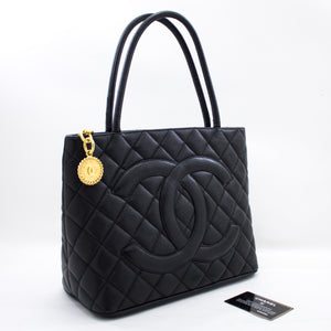 I-CHANEL Gold Medallion Caviar Braser Bag Shopping Tote Black x77 hannari-shop