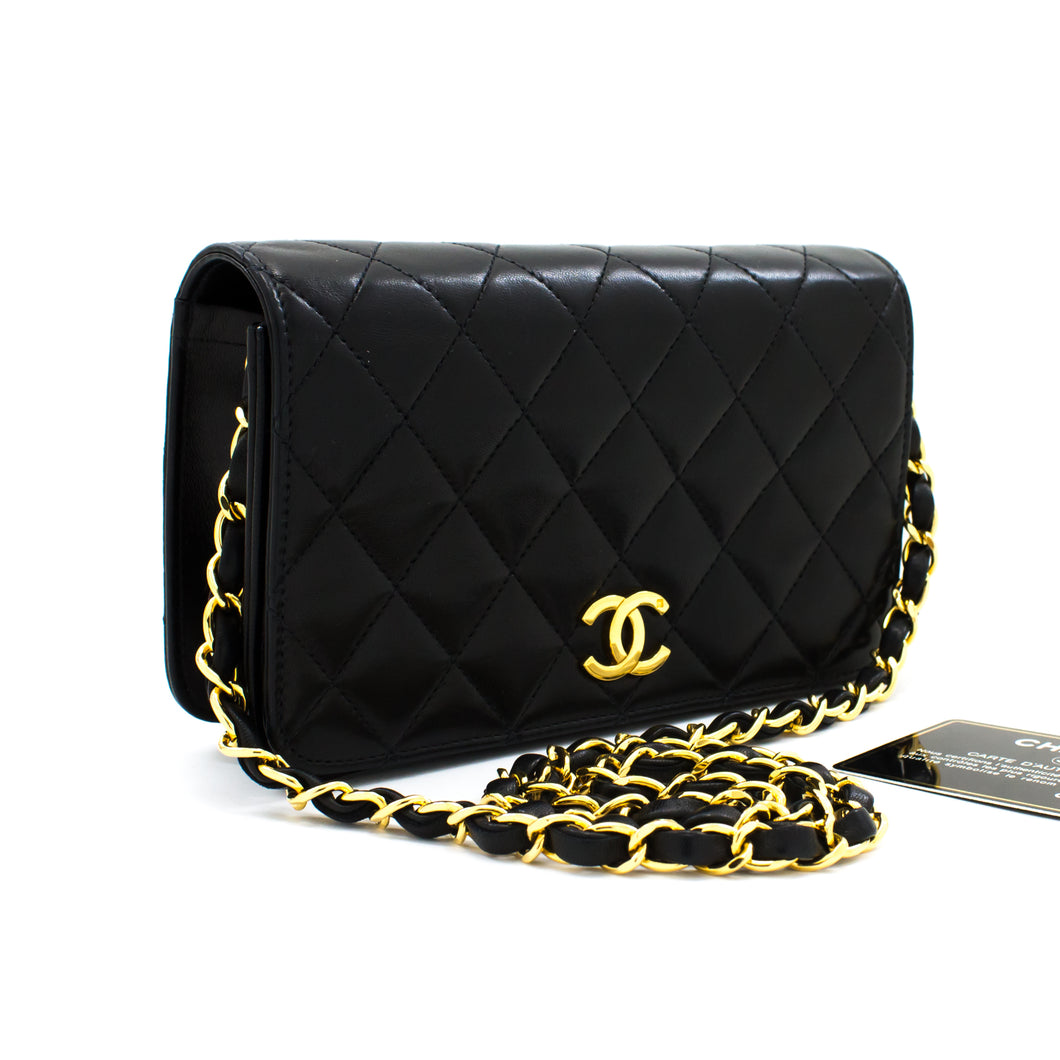 CHANEL Small Chain Shoulder Bag Clutch Black Quilted Flap Lambskin t17
