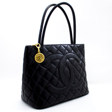 CHANEL ოქროს მედალიონის Caviar Shoulder Bag Shopping Tote Black x01 hannari-shop