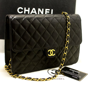 CHANEL Chain Shoulder Bag Clutch Black Quilted Flap Lambskin n85