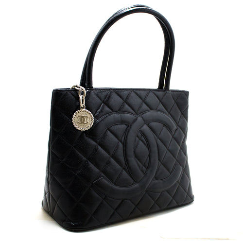 ʻO kā CHANEL Silver Medallion Caviar Shoulder Bag Kapu Tote Black R91-hannari-shop