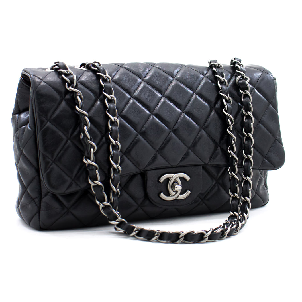 CHANEL 2009 Single Flap Chain Shoulder Bag Black Quilted Leather a91 hannari-shop