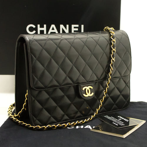 CHANEL Chain Shoulder Bag Clutch Black Quilted Flap Lambskin L61