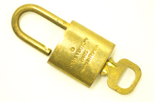 AUTHENTIC LOUIS VUITTON LV GOLD BRASS PADLOCK LOCK & KEY SET-Louis Vuitton-hannari-shop