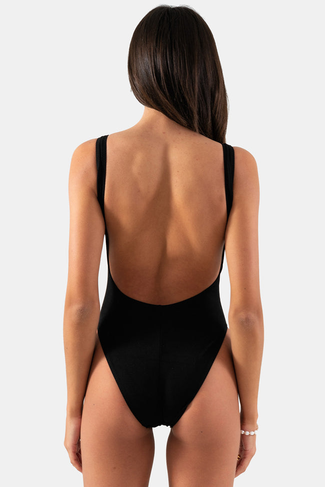 Kita One Piece // Black Rib