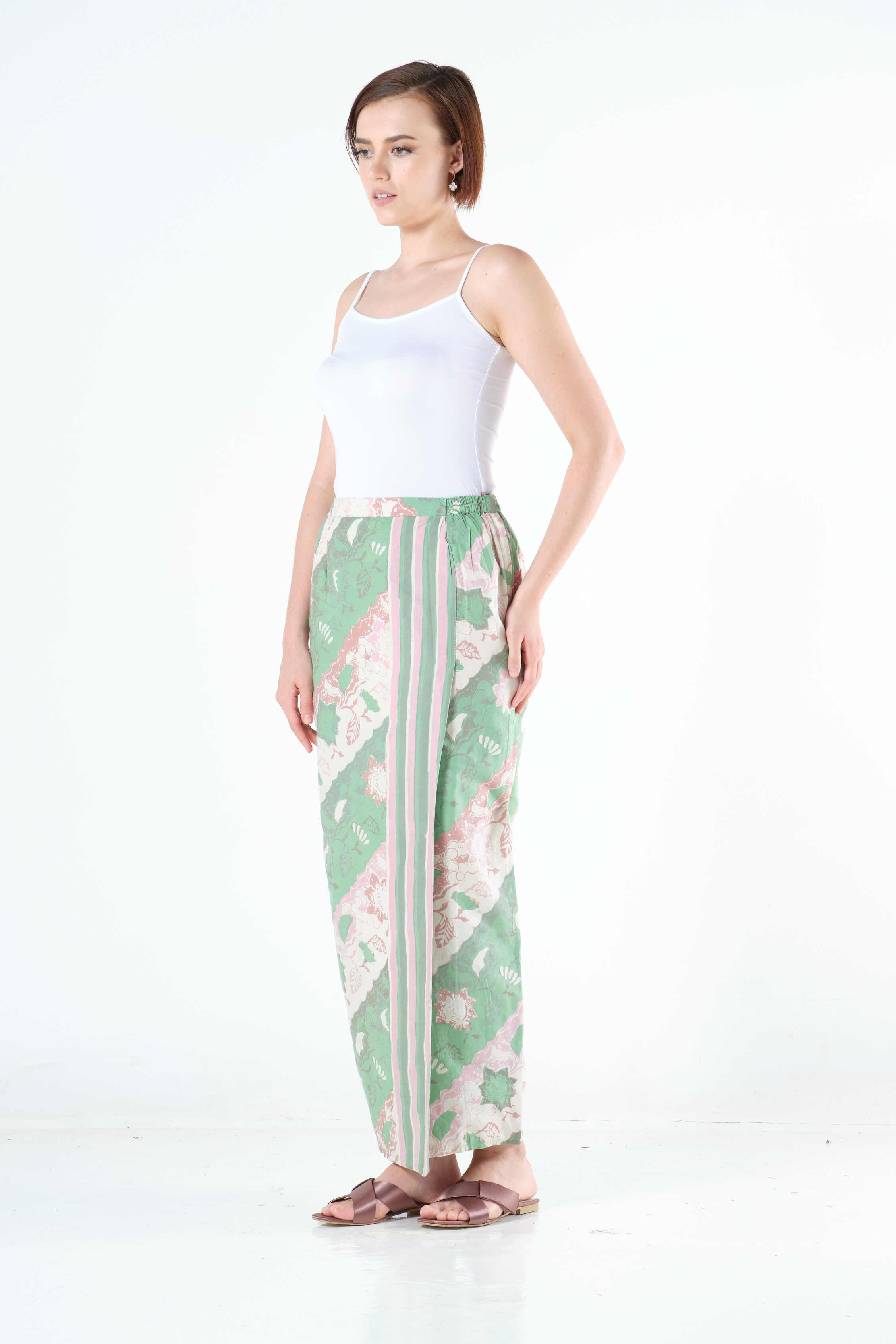 Ayu Sarung in Green