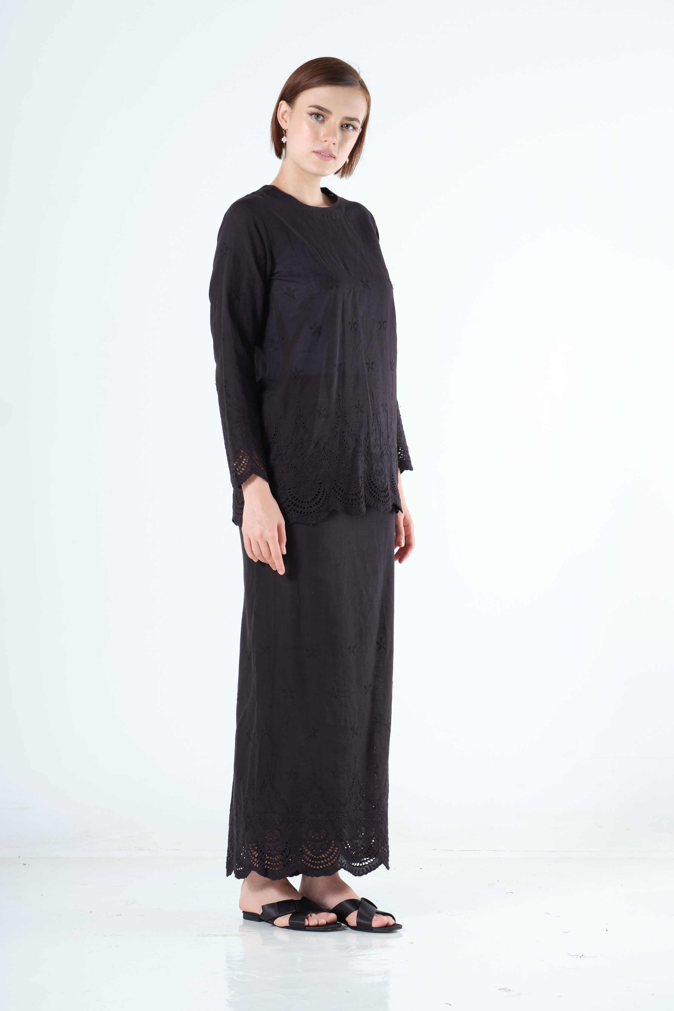 Saadah Top in Black