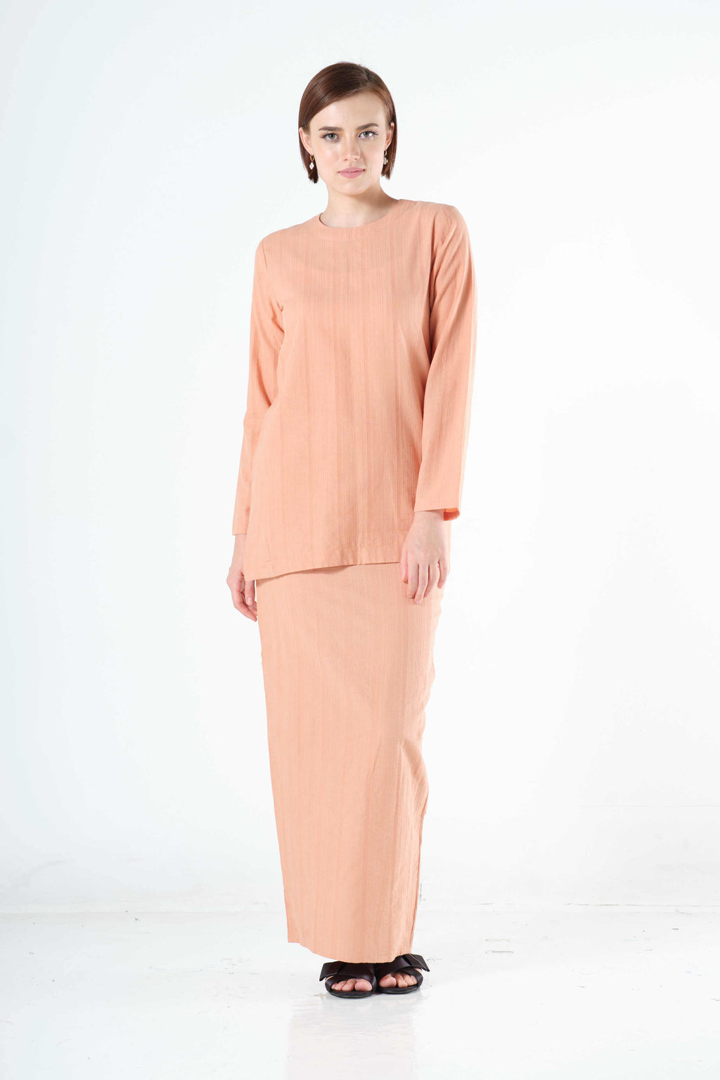 Syairah Top in Peach
