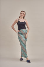 Sarung - Ariana in Light Khaki & Green