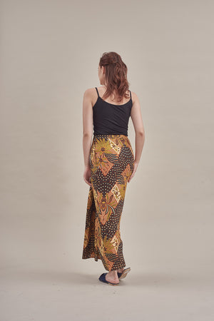 Sarung - Anggrek in Black