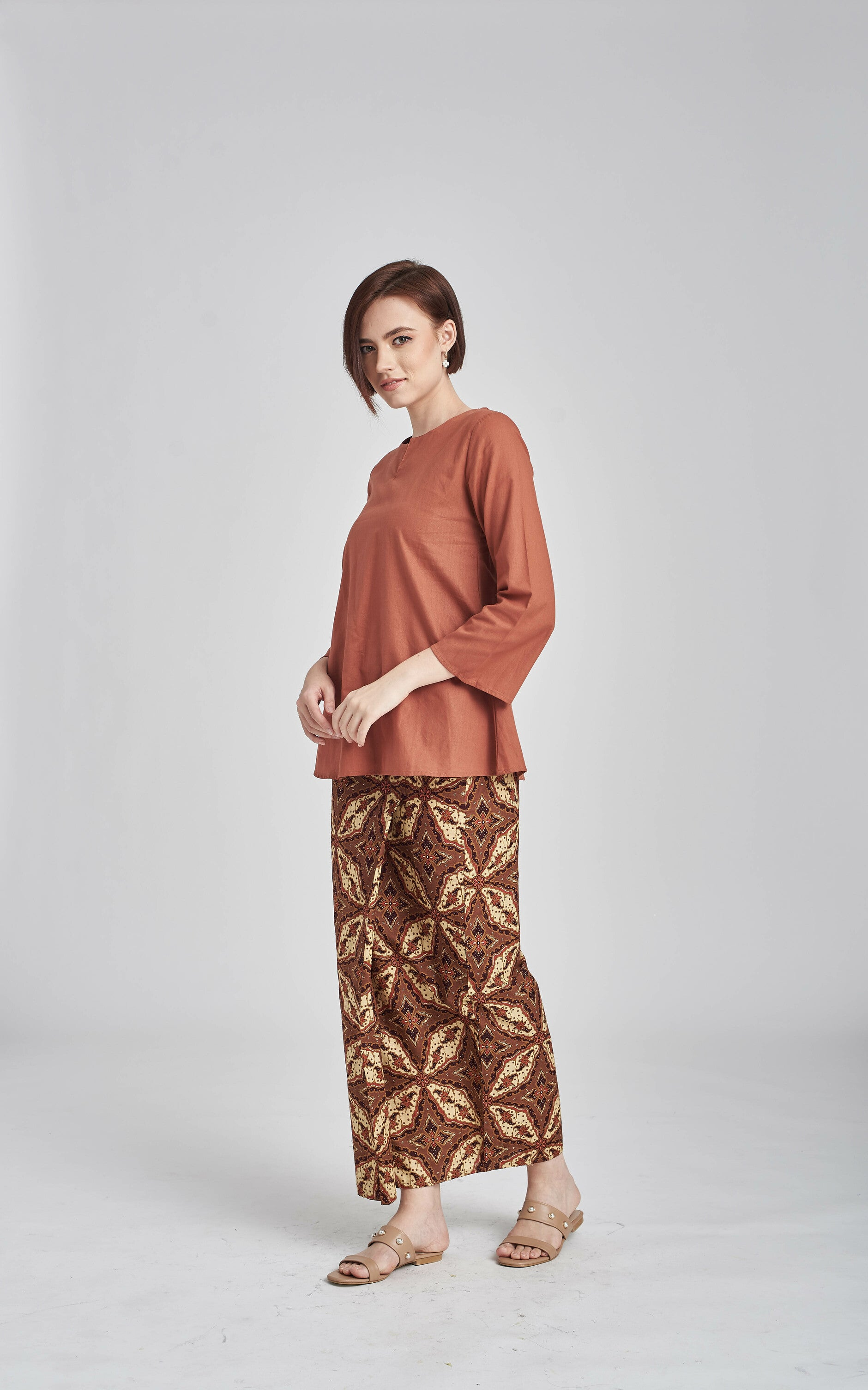 Norlida Top in Bear Brown
