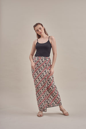 Sarung - Sora in Black & Red
