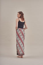 Sarung - Sekar (C) in Black & Red