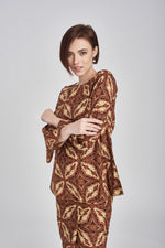 TOP Adila in Brown