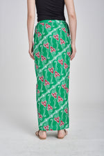 SARUNG Anati in Green Red