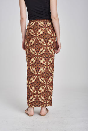 SARUNG Adila in Brown