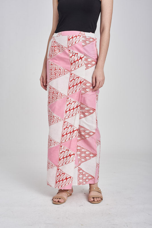 Sarung Segitiga in Red & Pink