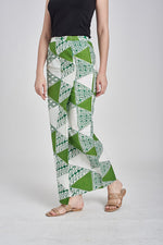 Sarung Segitiga in Green