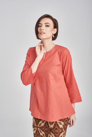 Norlida Top In Coral