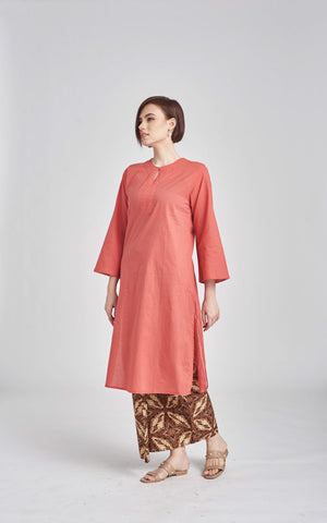Fatimah Top in Salmon