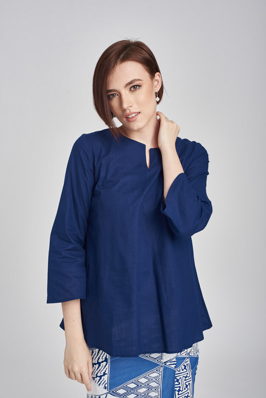 Norlida Top in Dark Blue