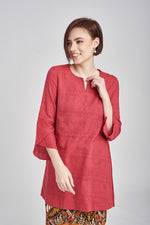 TOP Habiba in Red