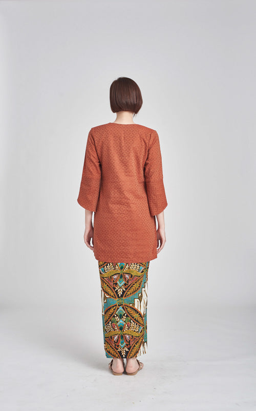 TOP Habiba in Brown