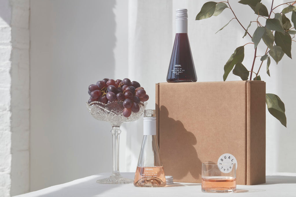 How to drink wine: Box of Usual Wines with grapes