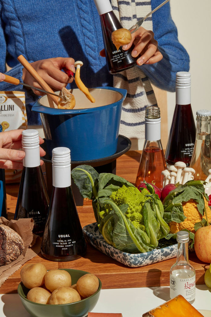 Best wine for Thanksgiving: Table of food with Usual Wines